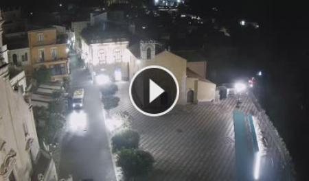 Piazza IX Aprile di Taormina