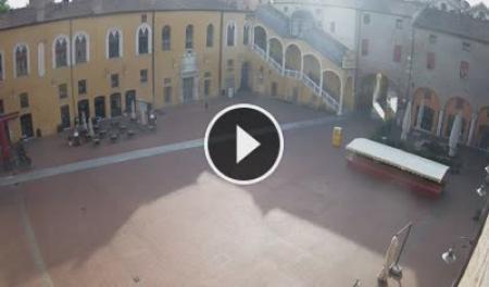 Webcam Ferrara - Piazza del Municipio